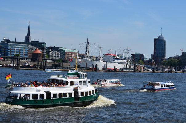KIRCHDORF im Hamburger Hafen am 26.05.2012