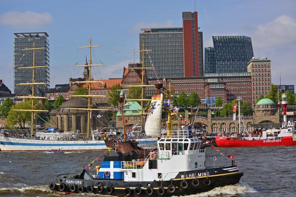 WILHELMINE zum 828.Hamburger Hafengeburtstag