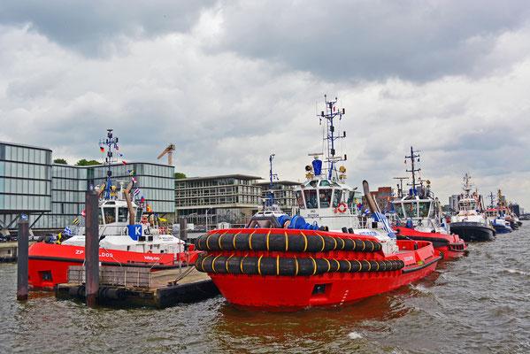 Schlepperpier Neumühlen zum 825.Hamburger Hafengeburtstag 2014