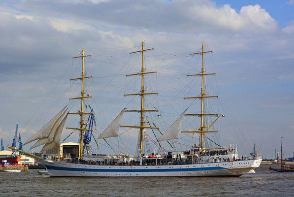 MIR zur Einlaufparade beim 826.Hamburger Hafengeburtstag am 08.05.2015