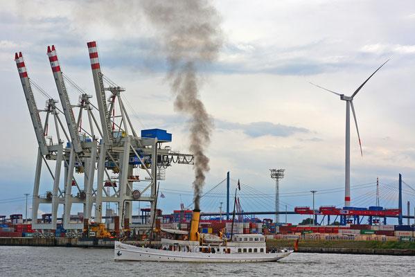 SCHAARHÖRN zur Parade Hamburger Traditionsschiffe am 23.08.2014