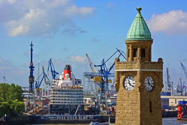 Queen Elizabeth im Dock ELBE 17 am 17.05.2014
