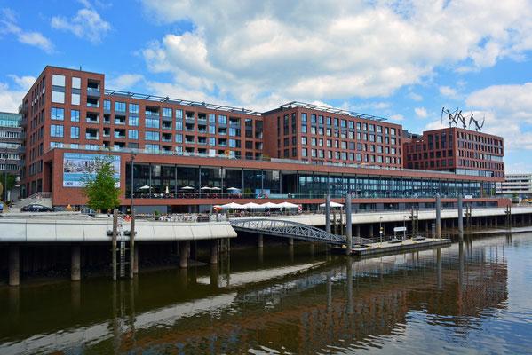 Anleger Maritimes Museum und Zentrale von GREENPEACE im Magdeburger Hafen