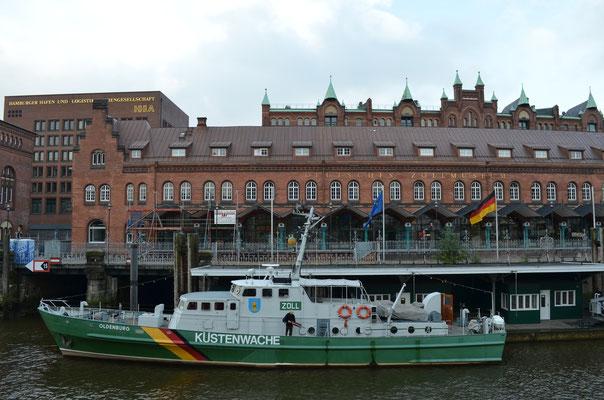 OLDENBURG am Liegeplatz im Zollkanal am 04.10.2012