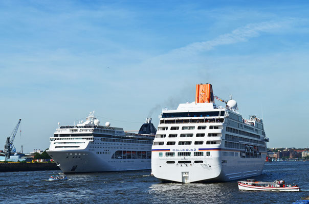 COLUMBUS 2 u. MSC LIRICA zu den Hamburg Cruise Days 2012