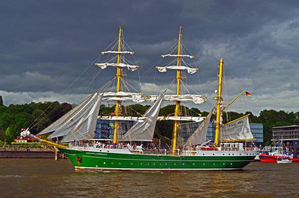 ALEXANDER VON HUMBOLDT II zum 823.Hamburger Hafengeburtstag 2012