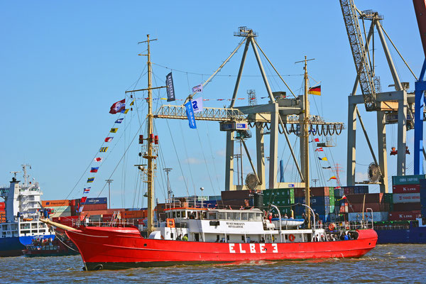 ELBE 3 zur Auslaufparade beim 826.Hamburger Hafengeburtstag am 10.05.2015