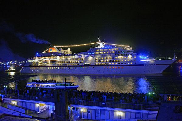MS EUROPA zu den Hamburg Cruise Days 2017 am 09.09.2017