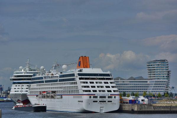 MS COLUMBUS am HCC HafenCity am 12.08.2013
