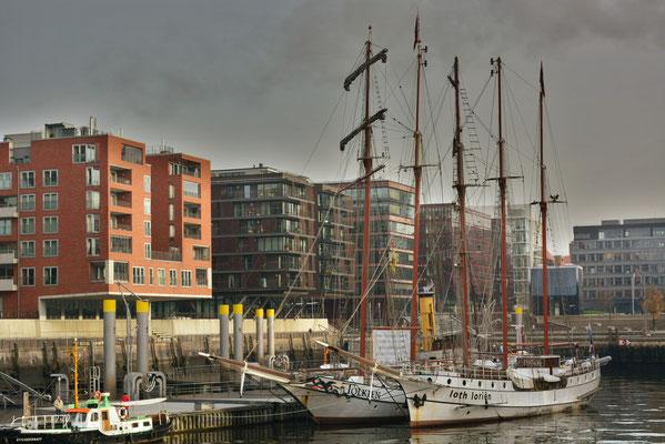 loth lorien im Traditionsschiffhafen der Hafencity am 03.12.2013