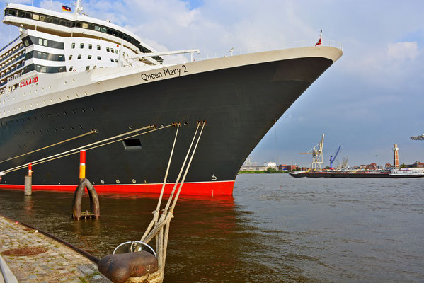 Queen Mary 2 am HCC Hafencity am 10.06.2013