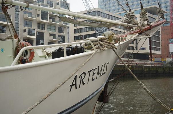 ARTEMIS im Traditionsschiffhafen der Hafencity am 17.11.2012