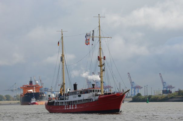 ELBE 3 zur Parade Hamburger Traditionsschiffe am 06.10.2012