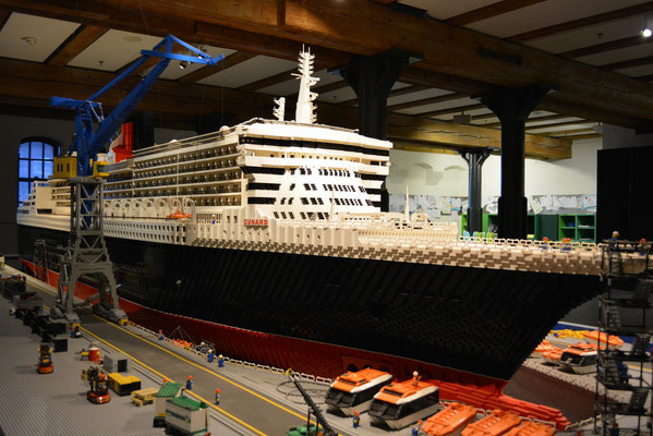 "IMMH (Modell der ""Queen Mary 2"" aus ca. 780.000 LEGO-Teilen) am 24.02.2013"