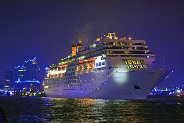 COSTA neoROMANTICA zu den Hamburg Cruise Days 2015 am 11.09.2015