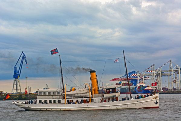 SCHAARHÖRN SCHAEFER zur Parade Hamburger Traditionsschiffe am 23.08.2014