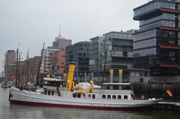 SCHAARHÖRN im Traditionsschiffhafen der Hafencity am 01.12.2012