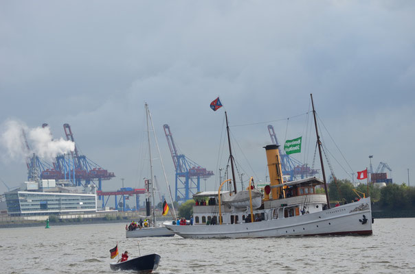 SCHAARHÖRN zur Parade Hamburger Traditionsschiffe am 06.10.2012