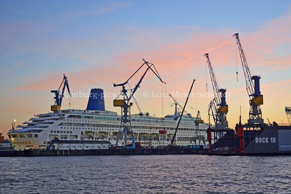 Kreuzfahrtschiffe - 102