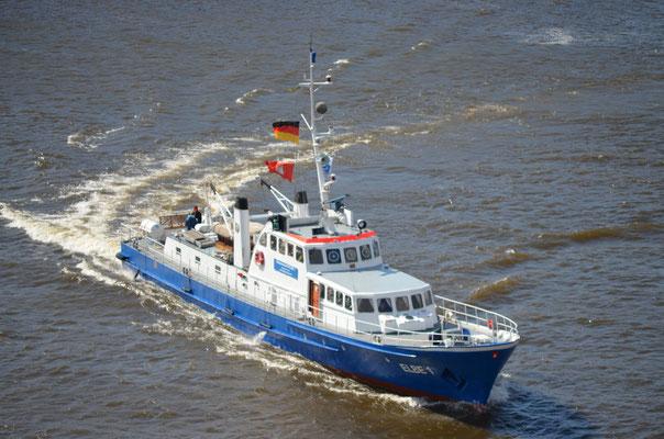 ELBE 1 im Hamburger Hafen am 07.04.2012