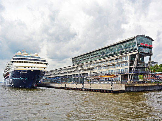 Mein Schiff 1 am HCC Altona/Alter Englandanleger