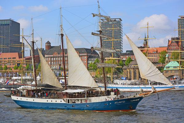 ATLANTIS zum 828.Hamburger Hafengeburtstag 2017