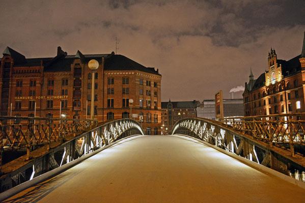 Jungfernbrücke in der Nacht