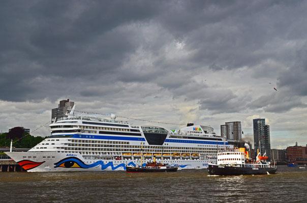 zum Hamburger Hafengeburtstag 2012