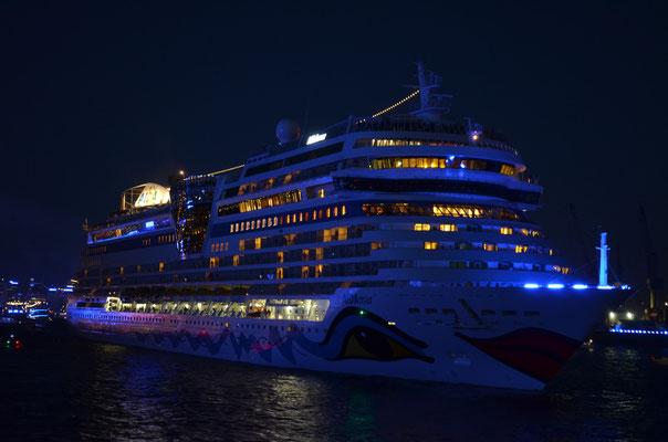 AIDAmar zu den Hamburg Cruise Days am 18.08.2012