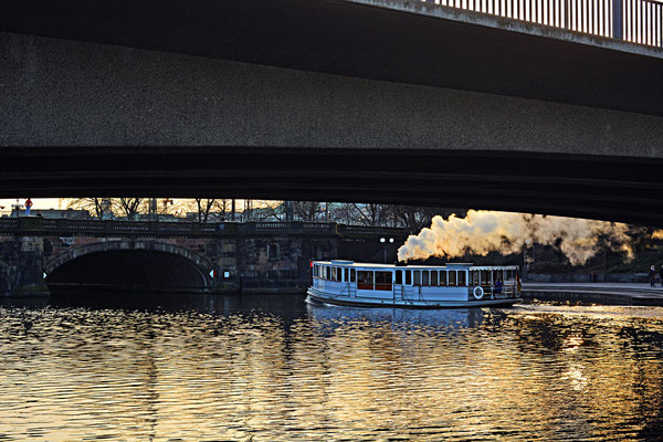 St.Georg zwischen Kennedy-Brücke und Lombardsbrücke zum Sonnenuntergang