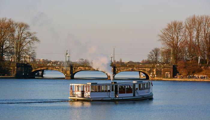 Die St. Georg, Deutschland's ältestes Dampfschiff auf der Binnenalster