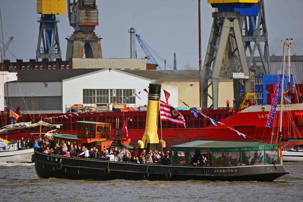 ELBE zur Einlaufparade beim 826.Hamburger Hafengeburtstag am 08.05.2015