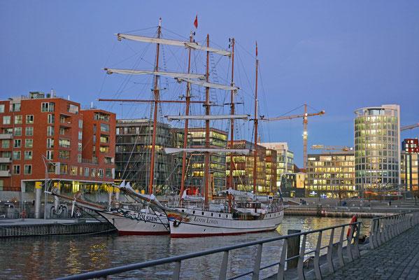 Im Traditionsschiffhafen der HafenCity