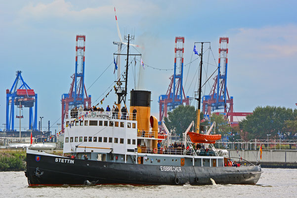 Dampfeisbrecher STETTIN zur Parade Hamburger Traditionsschiffe am 23.08.2014