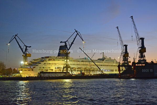 Kreuzfahrtschiffe - 103
