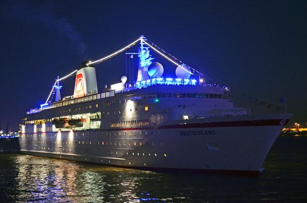 MS DEUTSCHLAND zu den Hamburg Cruise Days 2012