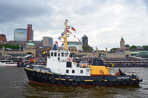 WILHELMINE beim Schlepperballett zum Hamburger Hafengeburtstag 2012