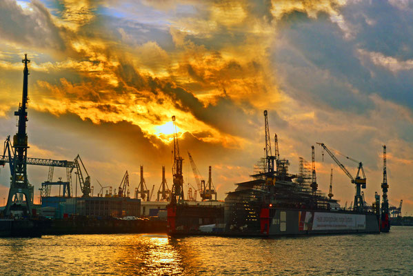 Dock 10 im Sonnenuntergang
