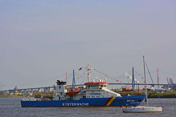 KÜSTENWACHE BP24 zum 828.Hamburger Hafengeburtstag