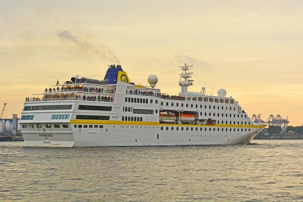 MS Hamburg läuft am 19.08.2015 aus.