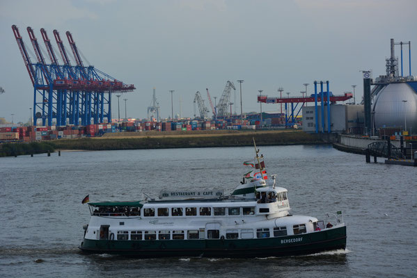 BERGEDORF unterwegs im Hamburger Hafen am 20.10.2013