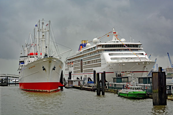 MS EUROPA 2 zu den Hamburg Cruise Days 2017 am 09.09.2017