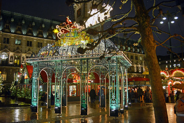 Hamburger Rathaus-Weihnachtsmarkt 2015