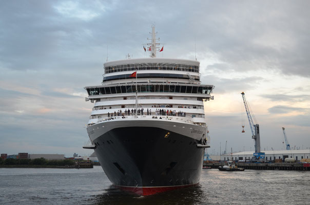 Queen Elizabeth zu den Cunard Queens Day am HCC Hafencity am 15.07.2012