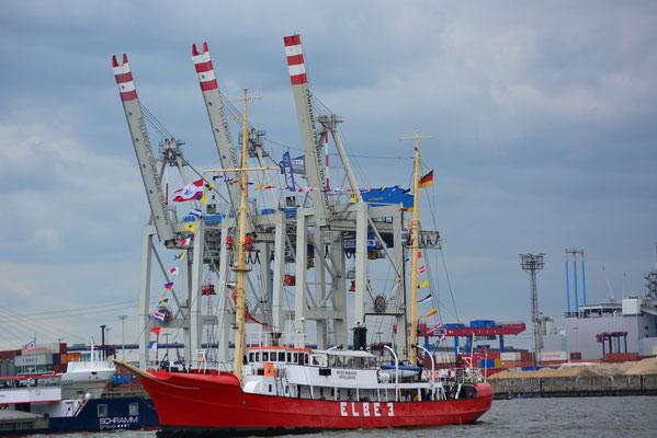 ELBE 3 beim 824.Hamburger Hafengeburtstag am 10.05.2013