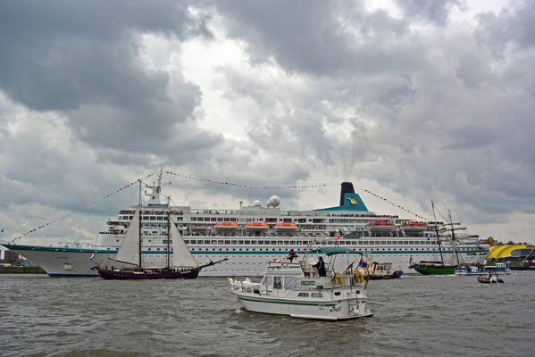 ALBATROS zum 825.Hamburger Hafengeburtstag am 10.05.2014
