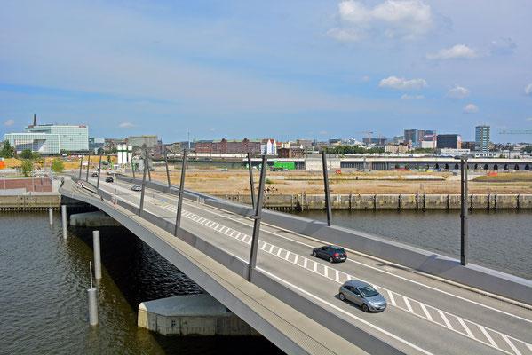 Neue Baakenhafenbrücke