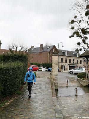 Repassage de l'Eaulne dans Martin Eglise 👍😊 sur les traces de Jeanne d'Arc qui passa là le jeudi 21 décembre 1420 sous bonne escorte pour passer la nuit au château d'Arques avant de rejoindre Rouen pour être jugée et brulée 😪.