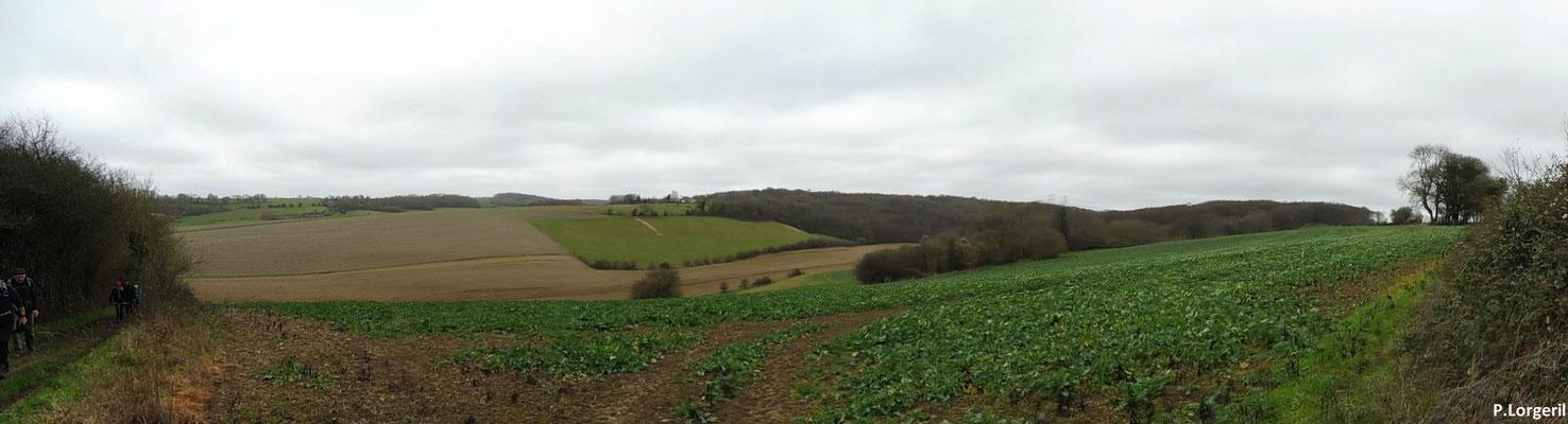 Panorama sur le petite vallée de l'Héronchelles et du Rebets 👍😊.