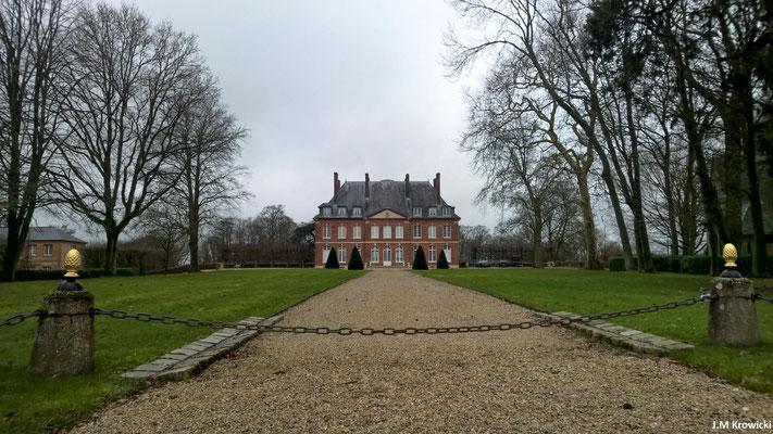 Château de Bois-Héroult (Boscum Heroldi) tient son nom d'un seigneur nommé Hérold ou Harold, d'origine Viking.